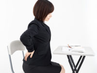 腰の痛みを和らげる  にはストレッチ